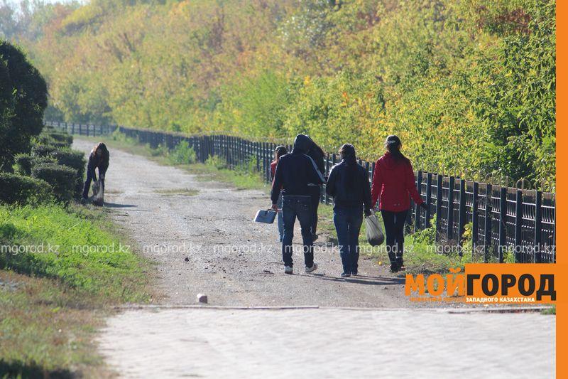 Новости Уральск - Аким Уральска контролировал уборку города по WhatsApp subbotnik (11)