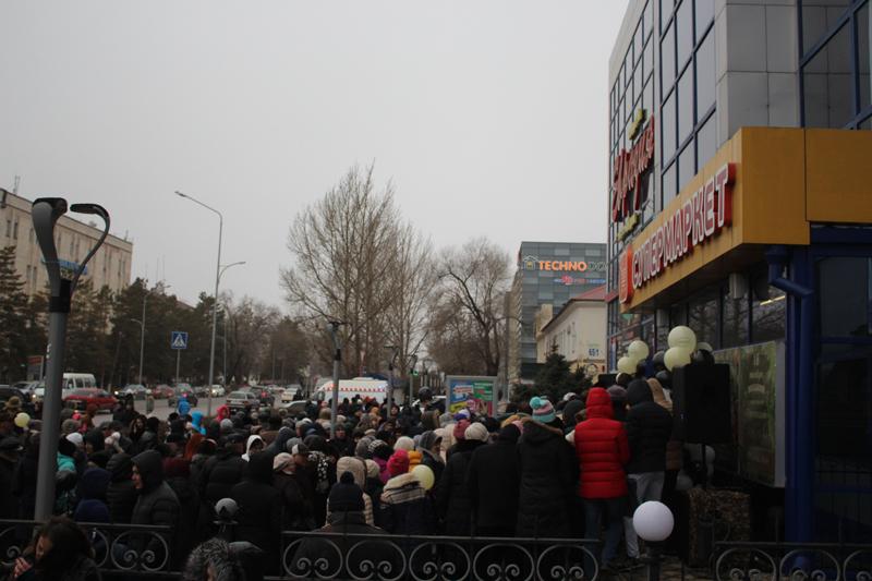 Покупатели сети супермаркетов «Суровский» в Уральске отдохнут на море 3