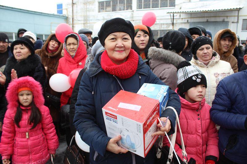 Покупатели ТД «Меркурий» получили подарки ко Дню Независимости IMG_7425 [800x600]