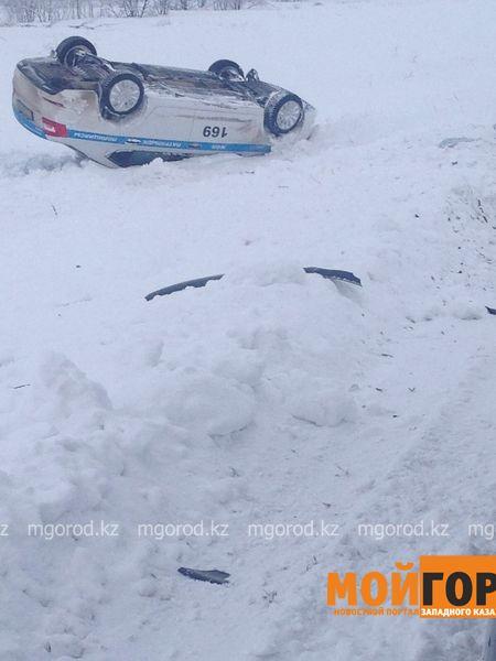 Новости Уральск - Полицейская машина перевернулась на трассе в ЗКО (фото, видео) IMG-20160117-WA0002 [800x600]