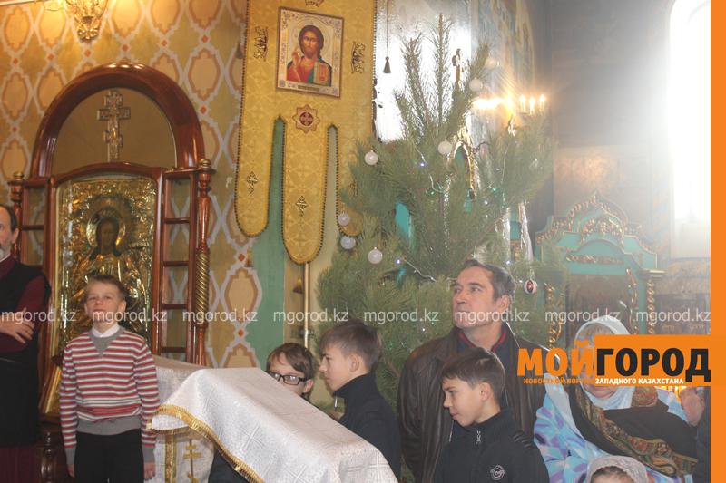 Православные христиане Уральска отмечают Рождество akim_rozhdestvo2