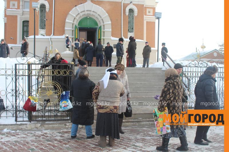 Православные христиане Уральска отмечают Рождество akim_rozhdestvo4