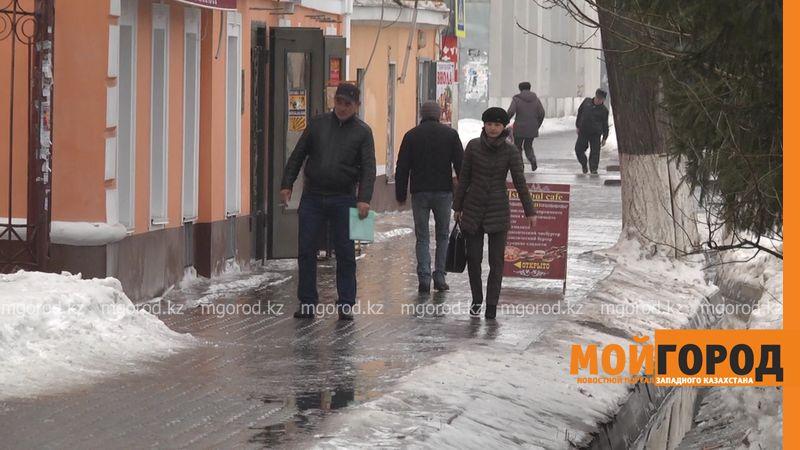 55 жителей Уральска получили травмы из-за гололеда