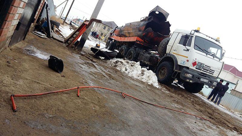 Новости Атырау - В Атырау при взрыве бензовоза погиб человек img_5054