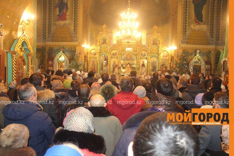 Православные христиане Уральска отмечают Рождество rozhdestvo (1)