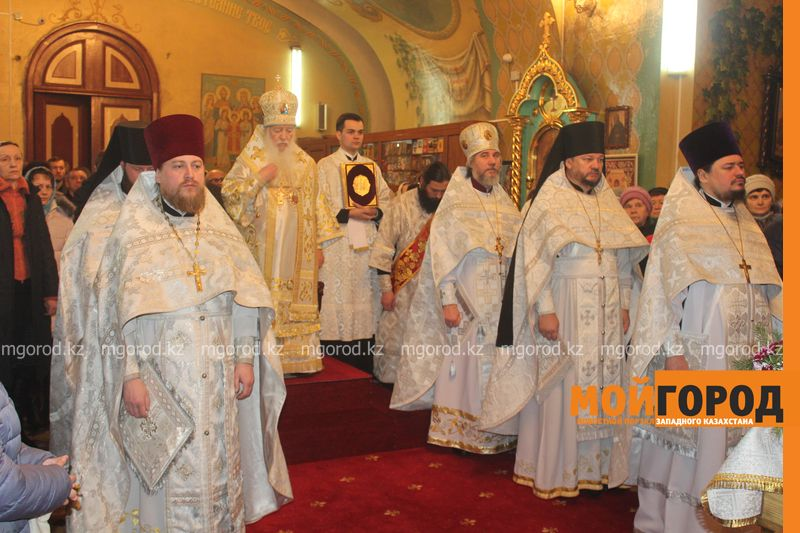 Православные христиане Уральска отмечают Рождество rozhdestvo (16)
