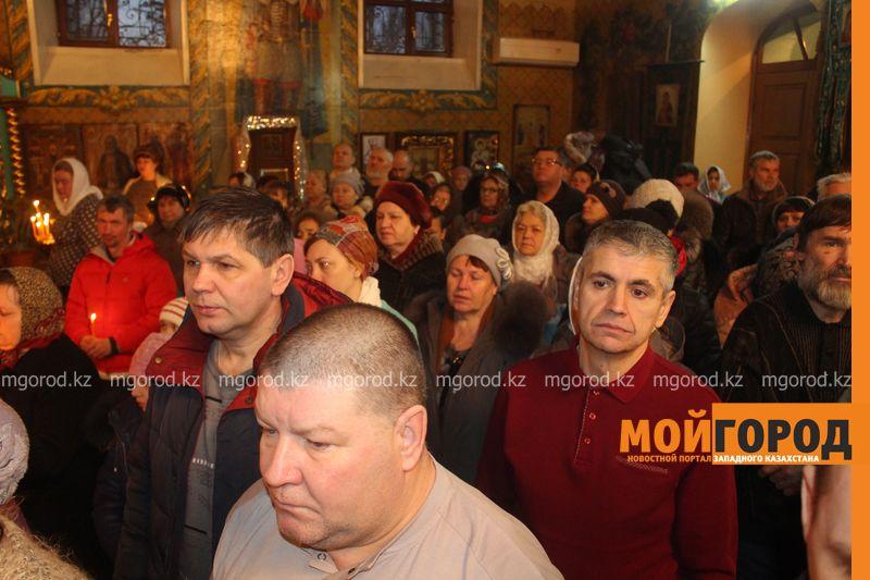 Православные христиане Уральска отмечают Рождество rozhdestvo (18)