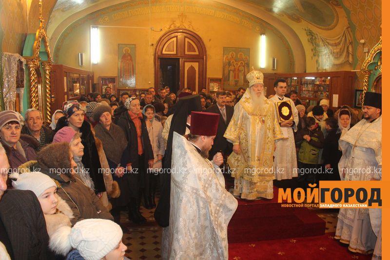 Православные христиане Уральска отмечают Рождество rozhdestvo (19)