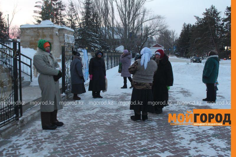 Православные христиане Уральска отмечают Рождество rozhdestvo (21)