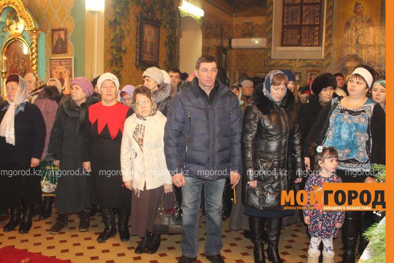 Православные христиане Уральска отмечают Рождество rozhdestvo (28)