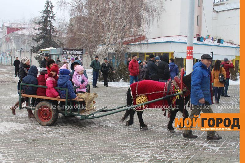 Новости Уральск - На Наурыз уральцев пускали в юрты только по спискам nauriz (23)