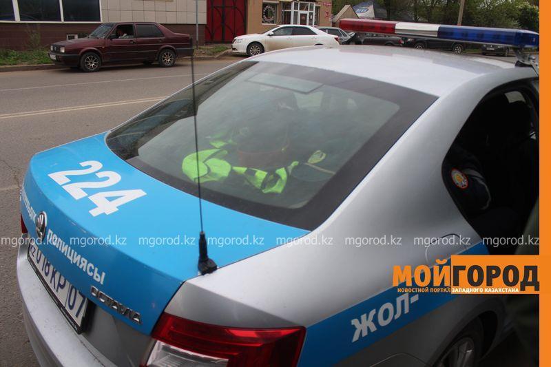 Гражданин Узбекистана пытался дать взятку полицейским ЗКО