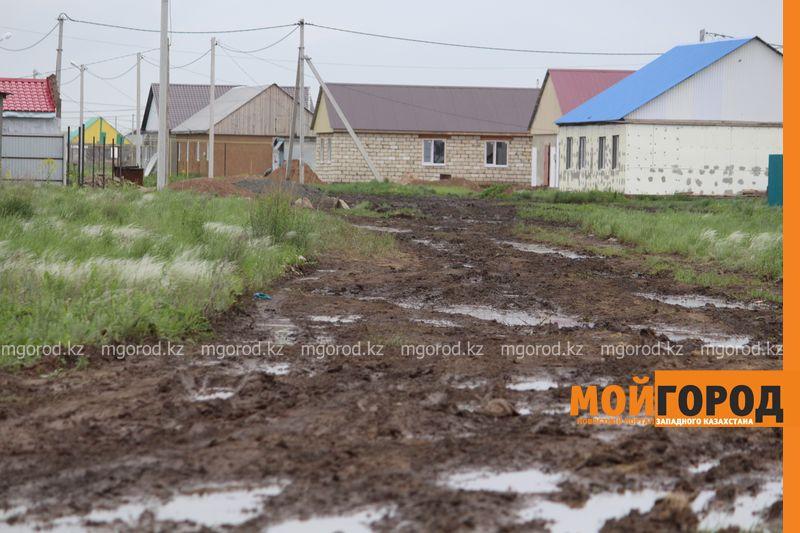 В Уральске поселке Деркул заасфальтируют дорогу pdp-2 (7)