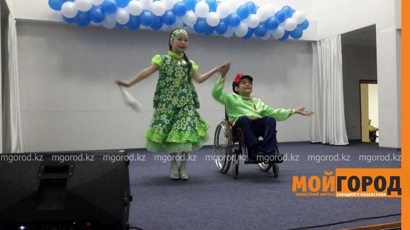 В Уральске прошел мастер-класс по танцам на колясках IMG-20160630-WA0006 [800x600]
