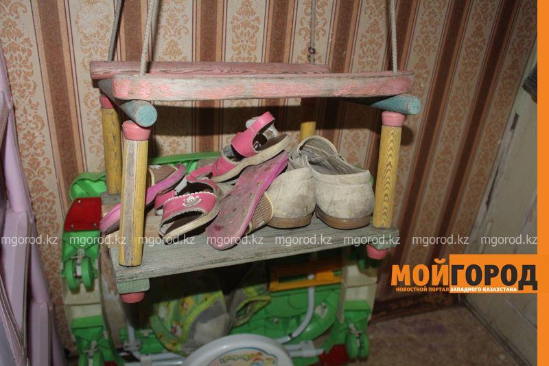 В Уральске семья с двумя детьми живет в крохотной комнате общежития IMG_3756 []