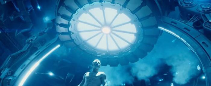 Некоторые идеи Кэмерона для начального эпизода использованы во вступлении «Терминатора: Генезис». Возможно, поэтому Джеймс защищал этот фильм.
