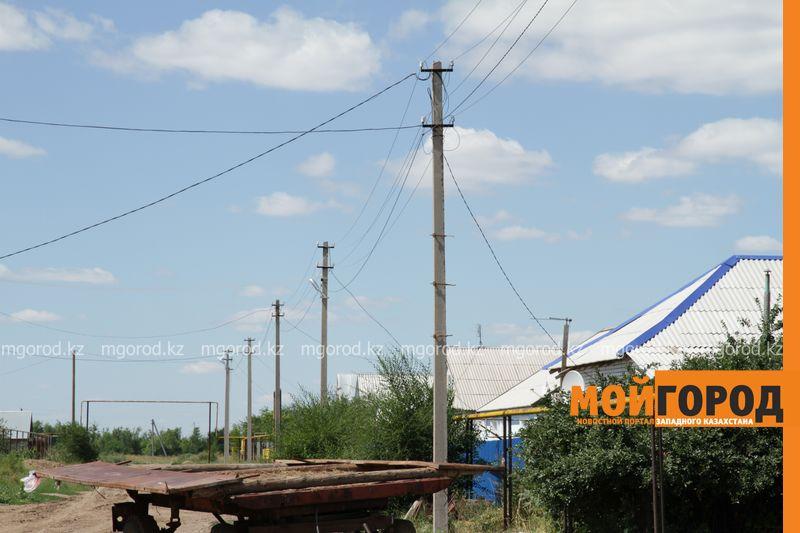 Новости Уральск - В селе ЗКО сильный ураган разрушил дом и сорвал крыши с домов uragan poselok zhayk (9)