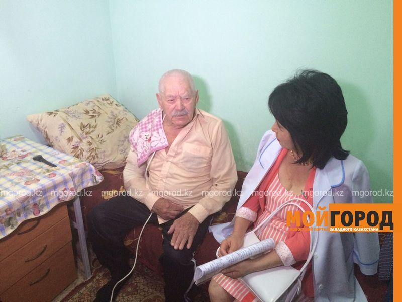 Вернуть пенсии попросили постояльцы дома престарелых у депутатов ЗКО dom prestarelyh (7) [800x600]