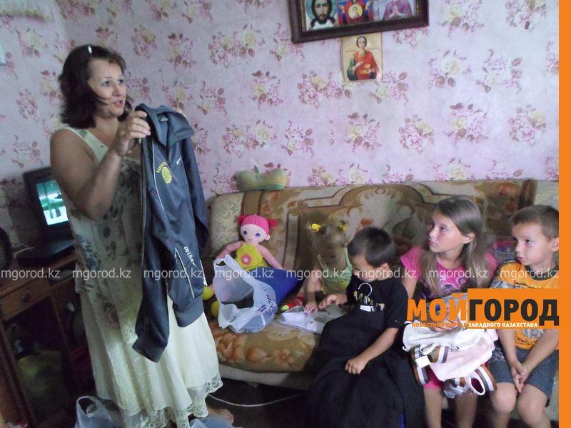 Многодетной семье полицейские помогли купить школьные принадлежности SAM_4881 [800x600]