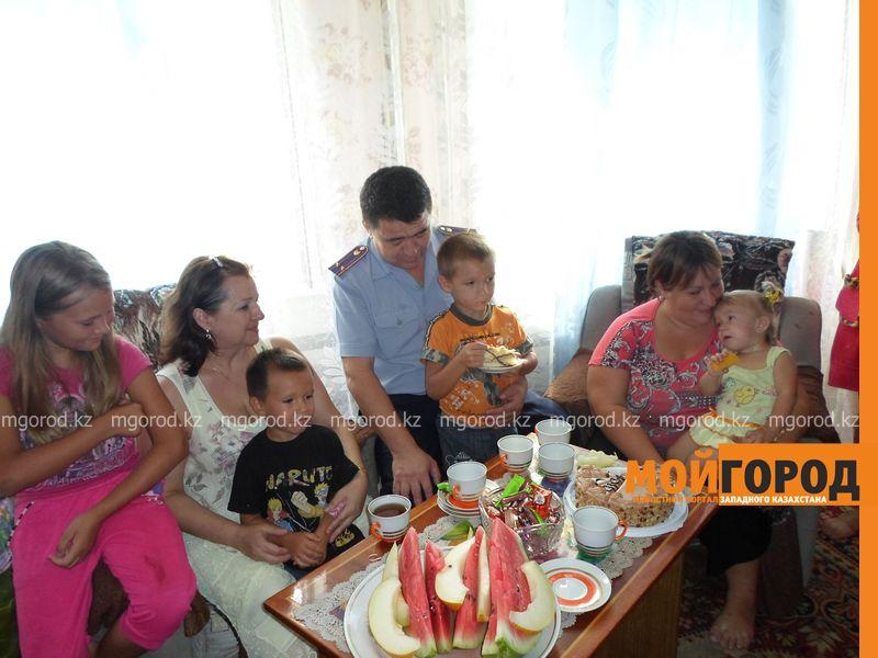 Многодетной семье полицейские помогли купить школьные принадлежности SAM_4894 [800x600]