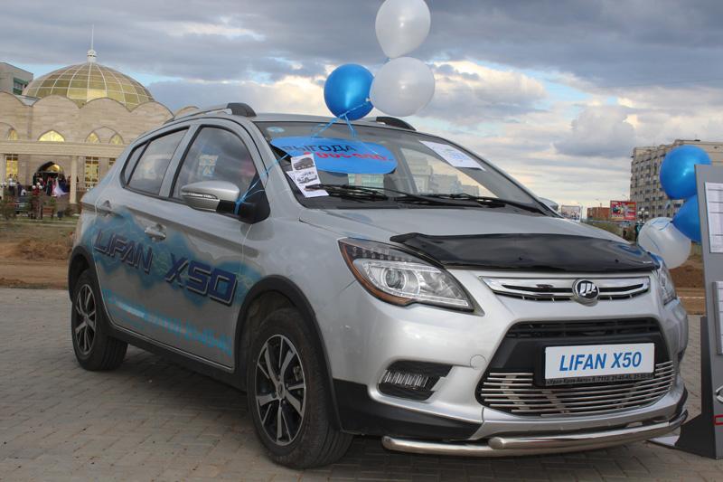 Новости - В Уральске под открытым небом прошла презентация кроссовера Renault Kaptur 10