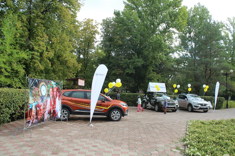 Новости - Сорочинская ярмарка с компанией «Урал-Кров-Авто Плюс» 3