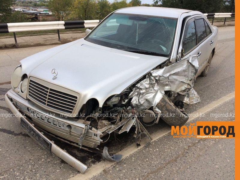 Из-за лопнувшего колеса столкнулись два автомобиля в Уральске IMG-20161001-WA0047