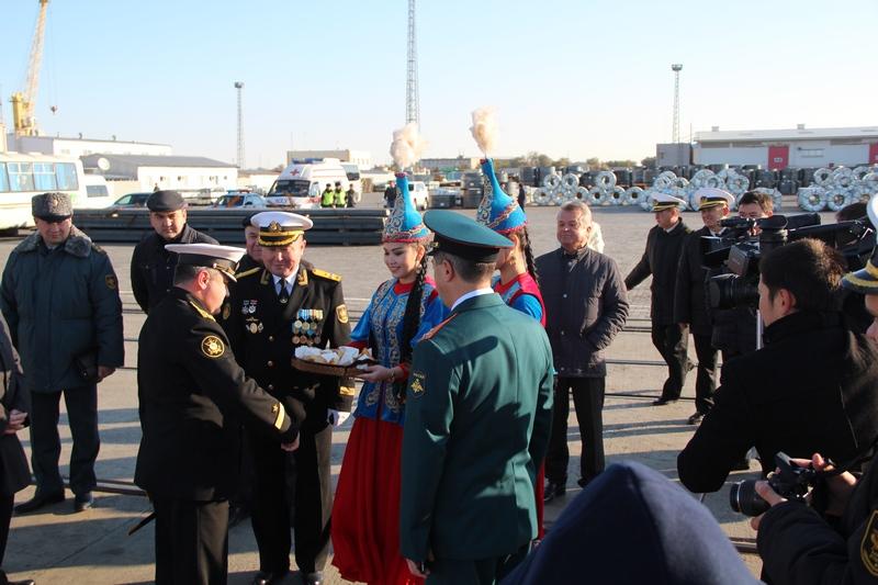 Военные корабли России, участвующие в обстреле позиций ИГ, прибыли в порт Актау IMG_1234