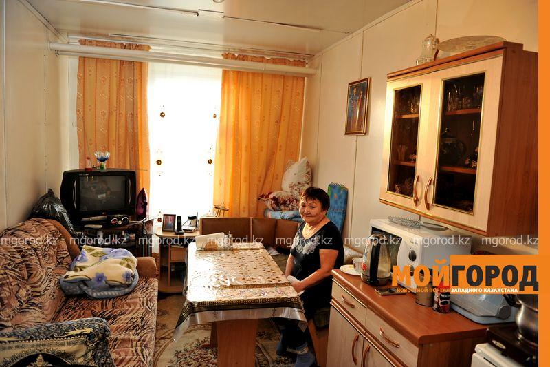 18 семей незаконно заселились в общежитие Аксайского колледжа Временное жилье переселенцев аварийного общежития