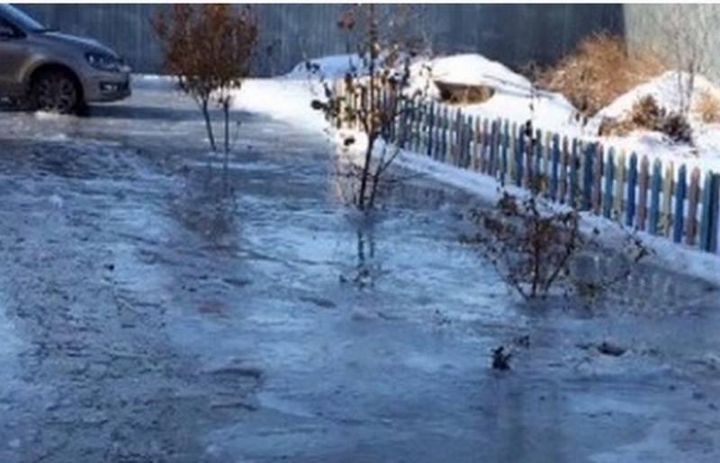 Новости Атырау - В Атырау жители затопленных домов просят о помощи 15057286_222471614847779_1499142602203594752_n