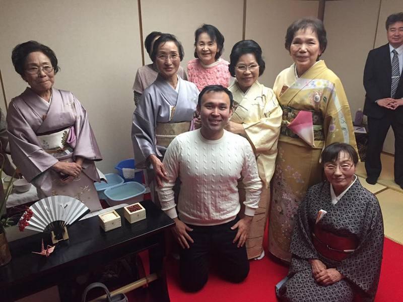 Новости Атырау - После приезда из Японии житель Атырау пообещал всем низко кланяться 15171304_1275095985874417_5150959623615884276_n