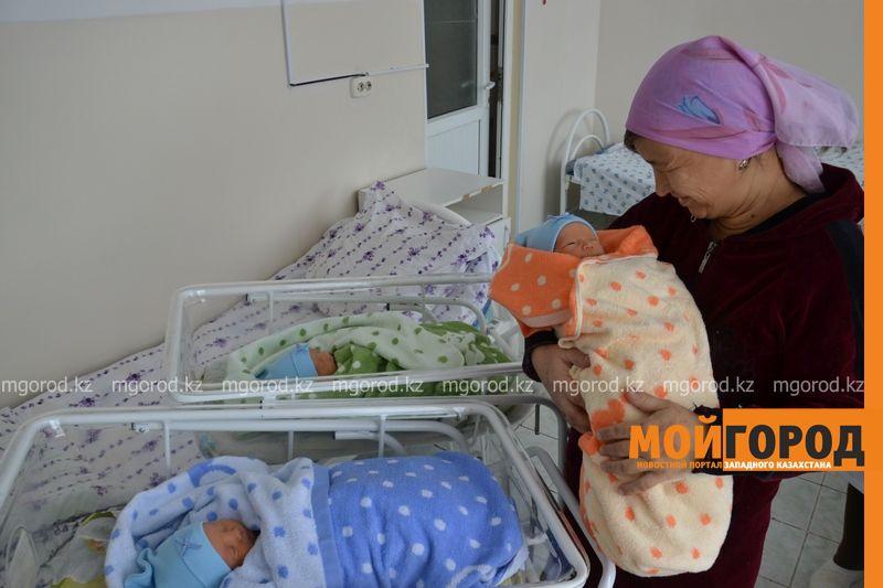 В Актюбинской области в семье 54-летнего инженера родились тройняшки DSC_6964 [800x600]