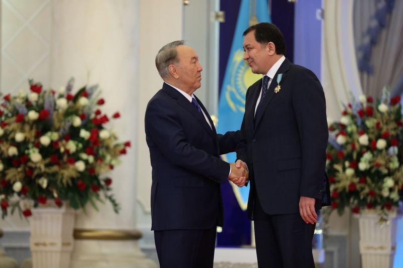 Новости Атырау - Аким Атырауской области получил награду от президента IMG-20161213-WA0005