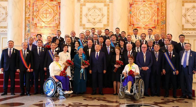 Новости Атырау - Аким Атырауской области получил награду от президента IMG-20161213-WA0007
