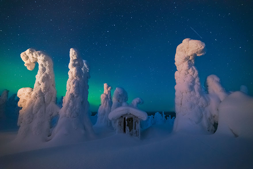 northern-lights-photography-finland-101-584e7bd588939__880