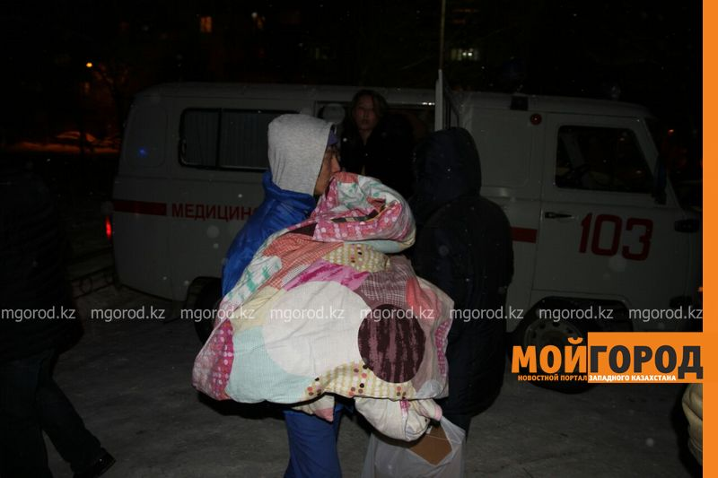 Пожар в Уральске: эвакуировано 120 человек, пострадал3-месячный ребенок pojar1 [800_600]