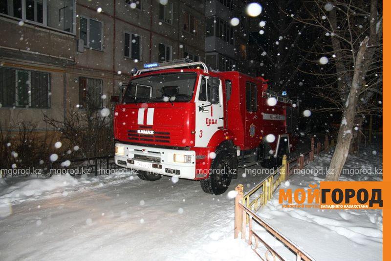 Пожар в Уральске: эвакуировано 120 человек, пострадал3-месячный ребенок pojar3 [800_600]