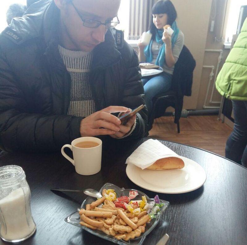 Новости Актобе - Бесплатный чай и сладости предлагают посетителям в актюбинских ЦОНах 9fa5ee3b-87f5-47ea-a7ed-9e6e38a13ab2