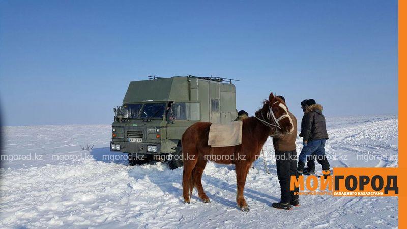 Путешественники из Испании застряли на дорогах Уральска ispancy (3)