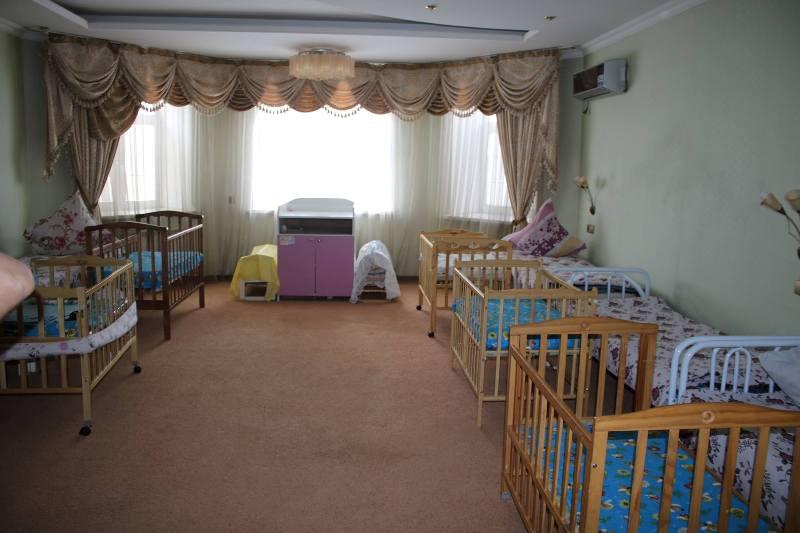 Новости Атырау - Житель Атырау выгнал на улицу супругу с грудным ребенком