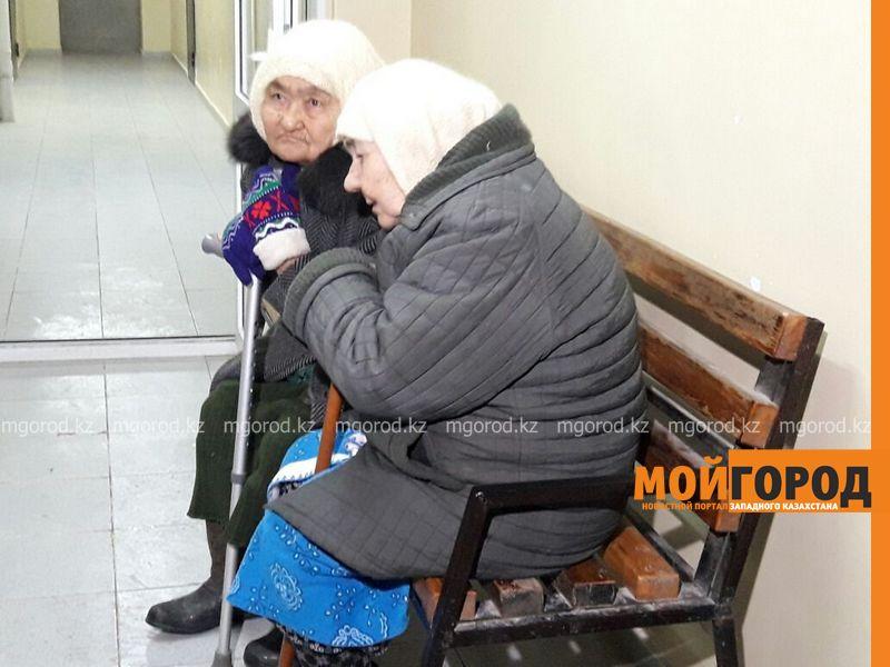 Выпускников атырауских детдомов отделили стеной от других жильцов многоэтажки 37a47e26-9197-41b4-a6bb-548d451b405d