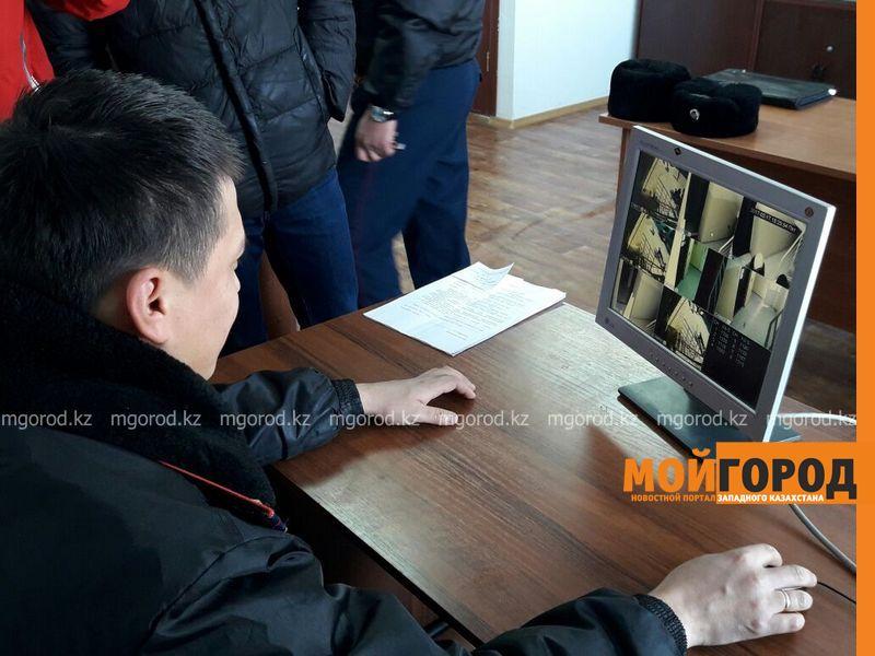 Выпускников атырауских детдомов отделили стеной от других жильцов многоэтажки 40711adb-b2d1-431b-981b-636279a2ea56