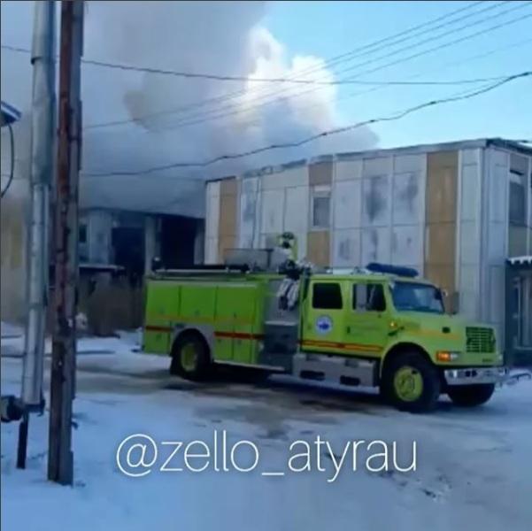 В Атырау горит общежитие нефтяников (ВИДЕО) V-noch-Alih-parusov-letnya