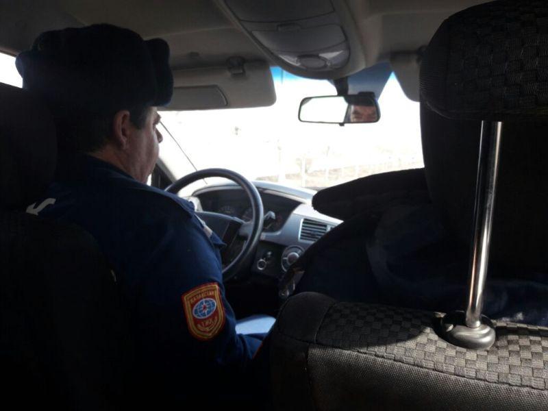 В Атырау на помощь застрявшему в грязи внедорожнику выехали спасатели 621aecbd-8612-4149-83a1-0efa4a7c3049
