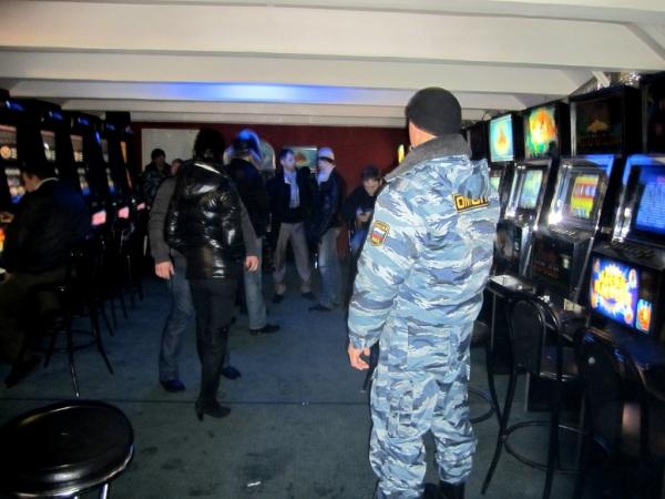8 незаконных игорных заведений закрыли в Атырауской области с начала года IMG_3610_list_big1
