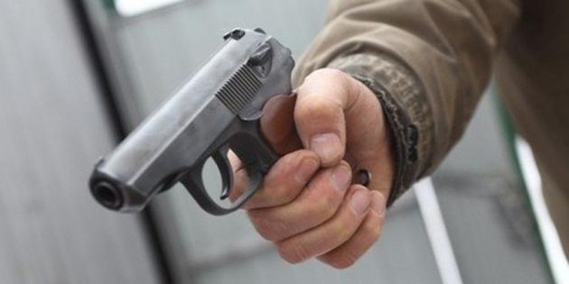 Гость бара выстрелил вохранника вАтырау