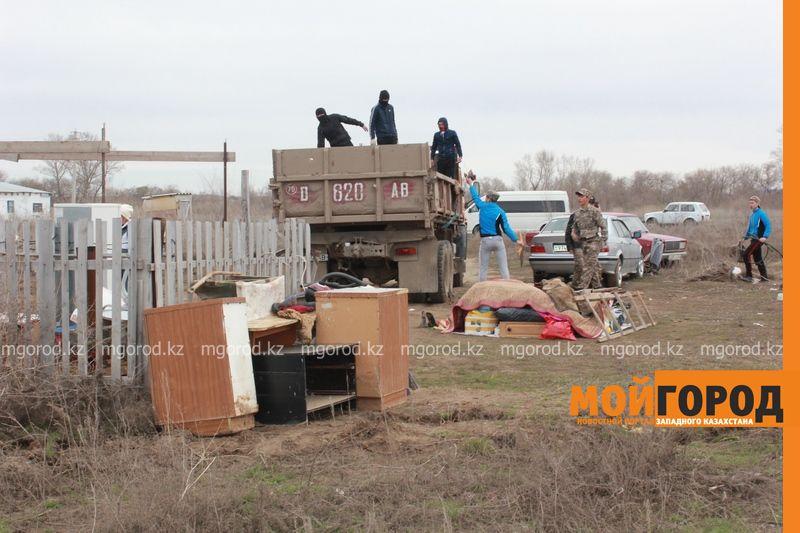 Сапарбаев предложил пострадавшим от паводка актюбинцам поехать в село IMG_2444 [800x600]