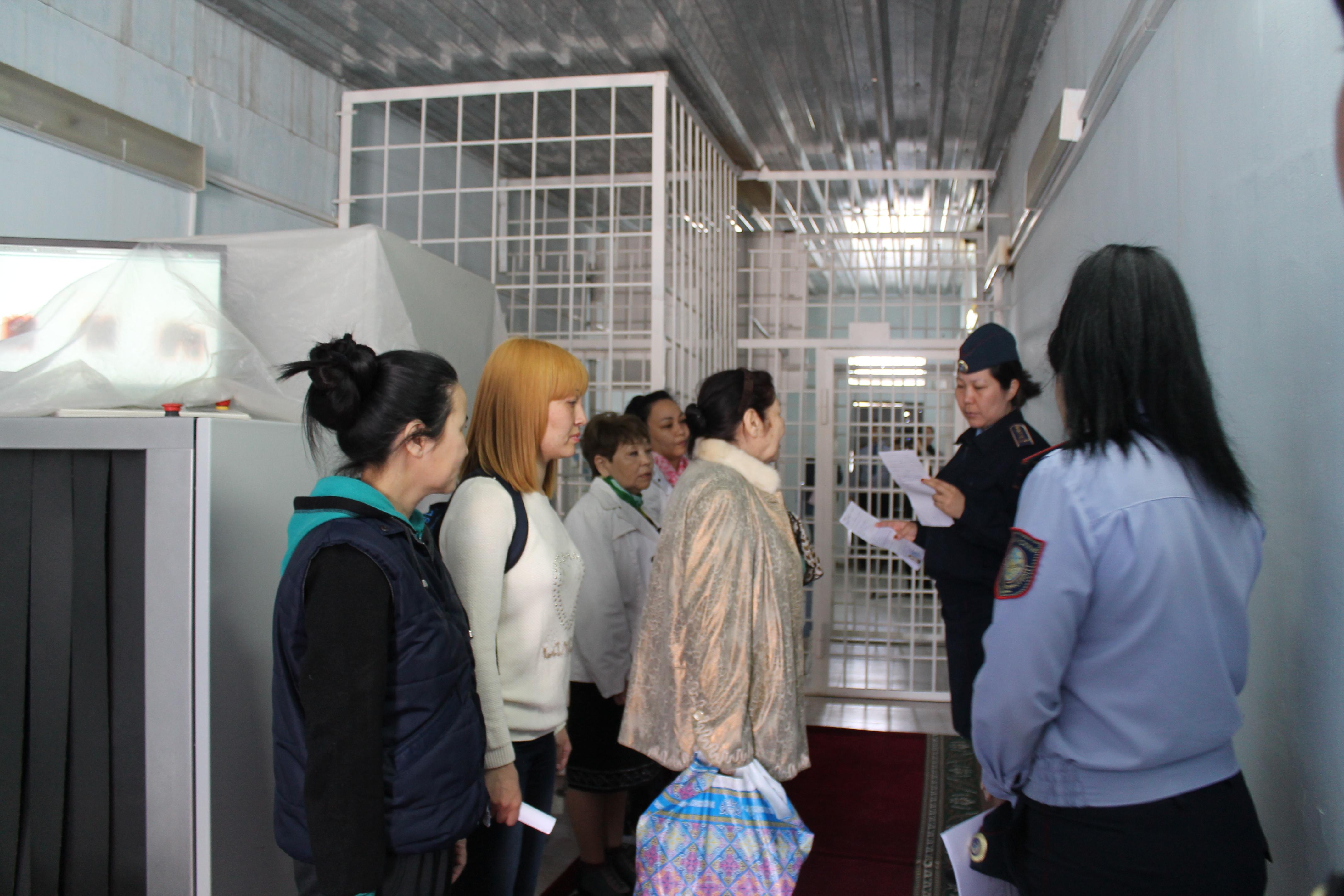 Новости Атырау - В Атырау бывшим заключенным начали помогать адаптироваться в обществе IMG_6975[2]