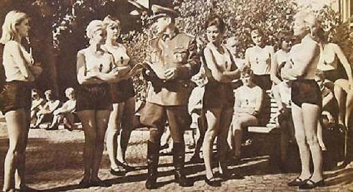 Lebensborn-Nazi-program-3