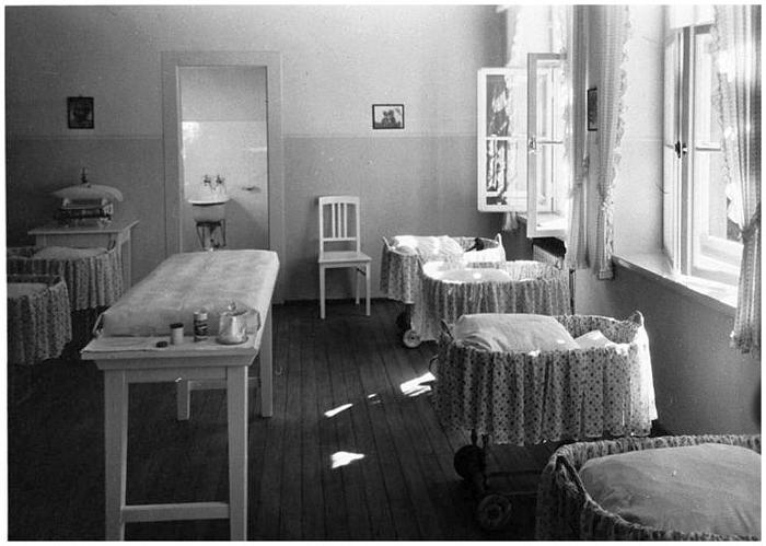 Палата для младенцев в одном из домов Лебенсборн